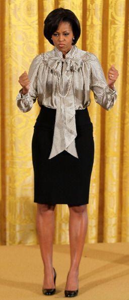 Las faldas corte lápiz le sientan fabulosamente a Michelle Obama. Si no...