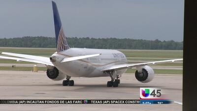 Falleció pasajero en vuelo de Denver a Houston