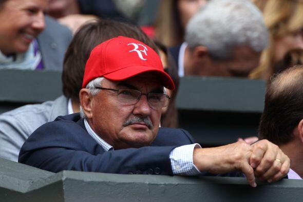 ¿Qué estaría pensando el padre de Federer?, ansioso, preocupado y nervio...