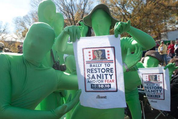 Los extraterrestres también estuvieron presentes en el voto, expresando...