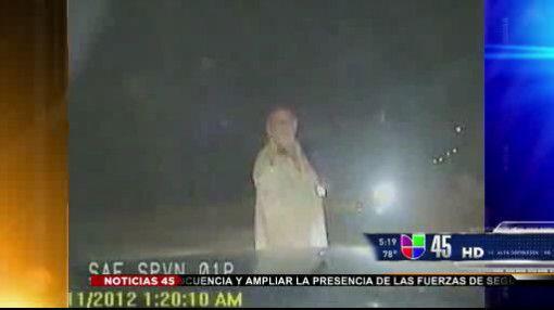 Captado en video: Hombre en pijamas disparó contra auto