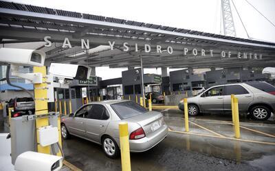 Puerto de entrada San Ysidro en la frontera de México y California.