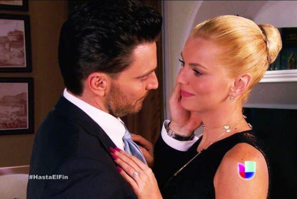 En 'Hasta Fin Del Mundo', Sofía Ripoll (Marjorie de Sousa) y Patricio (J...