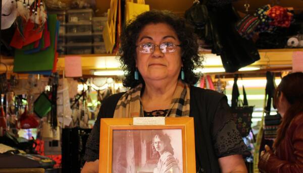 Emily Martinez y su familia han estado en la Plaza Olvera por tres gener...
