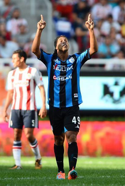 Y se podría decir que Ronaldinho sabe cuándo es el momento exacto de sol...