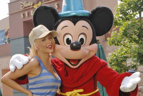 Y por supuesto que Cristina Aguilera también fue a visitar a sus ratones...