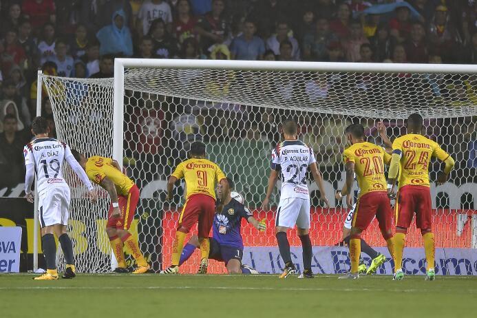 Monarcas Morelia le pegó 2-0 al Ave del América 20170826_8680.jpg