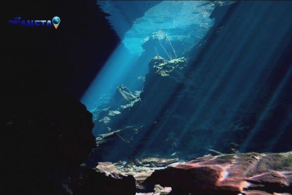 Se cree que en el borde del sector sur del cráter de Chicxulub, existe u...