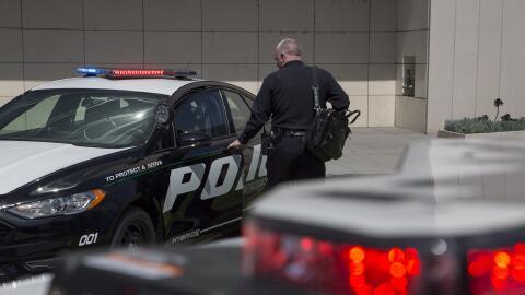 """La demanda exige que los policías sean enjuiciados por """"exce..."""