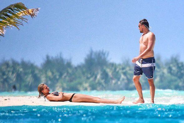 Pero la modelo de Victoria's Secret decidió quitarse el bikini. Mira aqu...