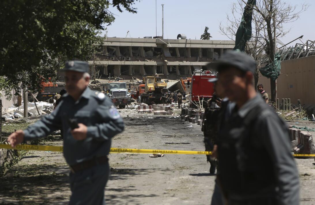 Cerca de 100 muertos y más de 300 heridos en un atentado en la zona dipl...
