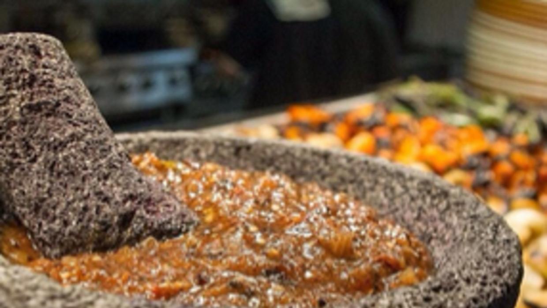 Salsa molcajeteada, típicamente mexicana, del chef Sánchez