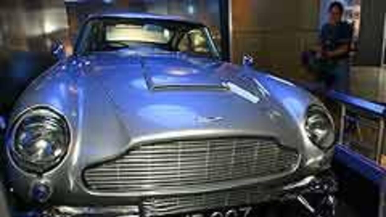 Subastarán el Aston Martin DB5 de James Bond