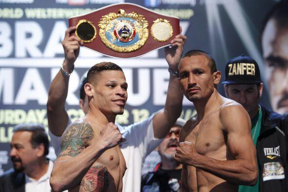 En la pelea coestelar, ORlando Cruz y Orlando Salido no tuvieron problem...
