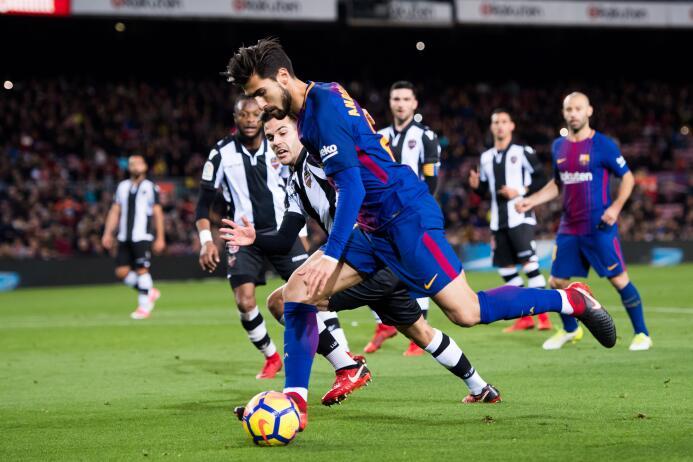 En fotos: Messi comanda la fiesta del Barcelona gettyimages-902248798.jpg