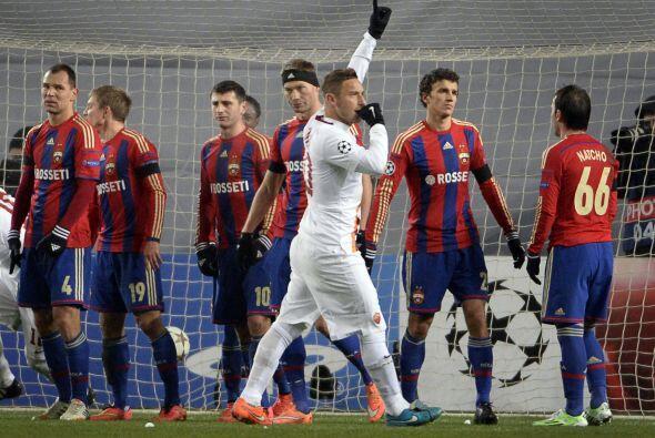 Francesco Totti es otro de los 'abuelos' destacados en el balompié inter...