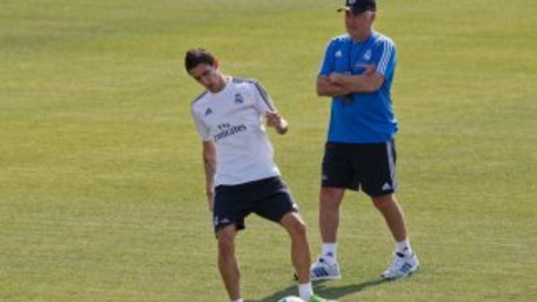 Angel Di María y Ancelotti en un entrenamiento del Real Madrid.
