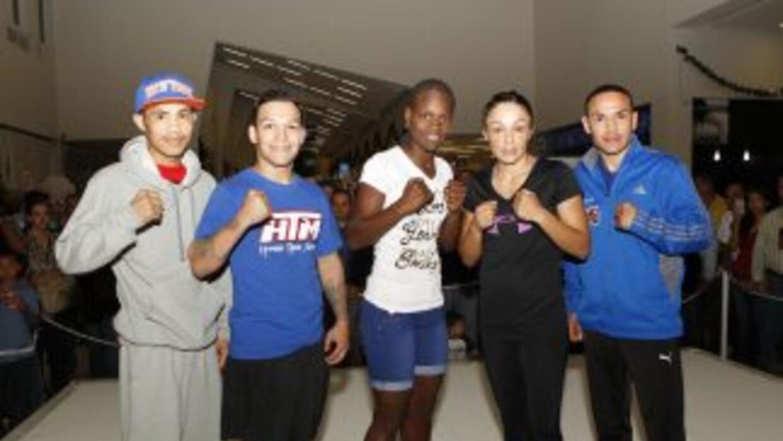 Jackie Nava, 'Gallo' Estrada y 'Tyson' Märquez ofrecieron exhibición púb...