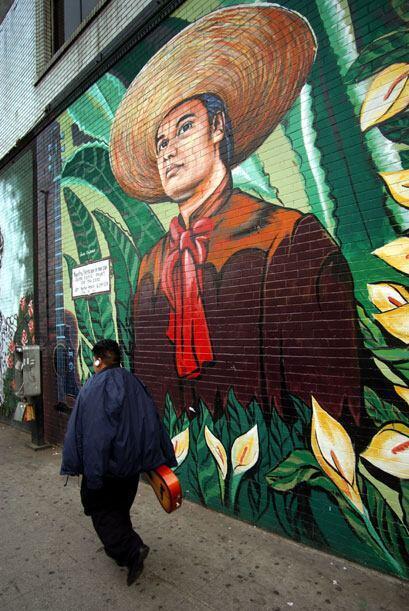 El cantautor Juan Gabriel es admirado en México y en el extranjer...