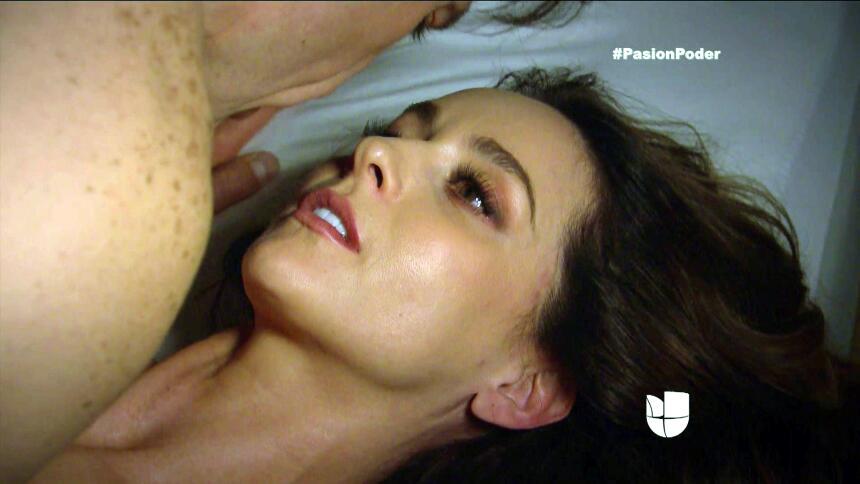 ¿Arturo y Julia pasaron una noche juntos? F207CB899F9E4A0481E77ED42C8718...