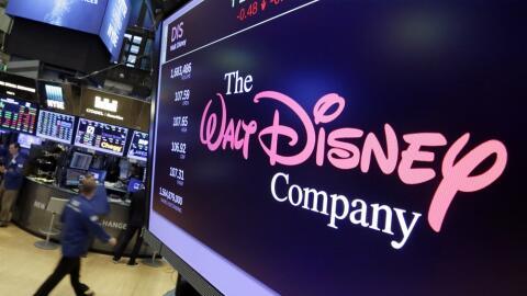 Logo de The Walt Disney Co. en una pantalla en la bolsa de Nueva York.
