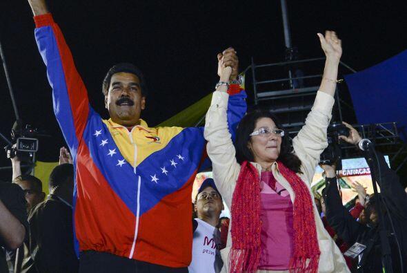 Se señala que Molero se queja que no puede llegar a Nicolás Maduro porqu...