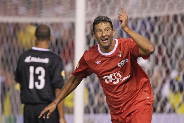 Otro de los goleadores que dijo presente fue el recientemente retirado W...