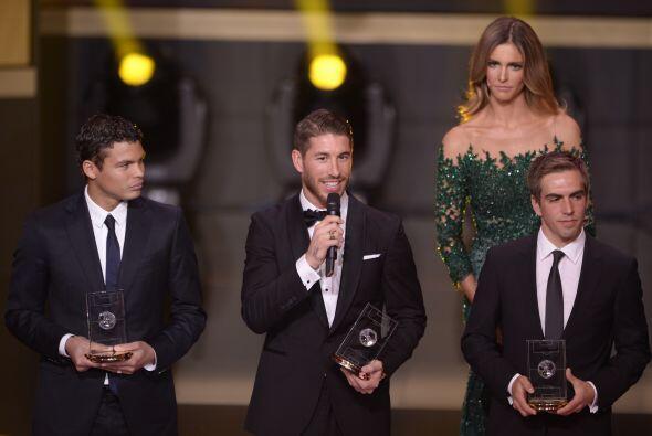 Era tiempo de conocer el equipo ideal del 2013 para la FIFA, en el que e...