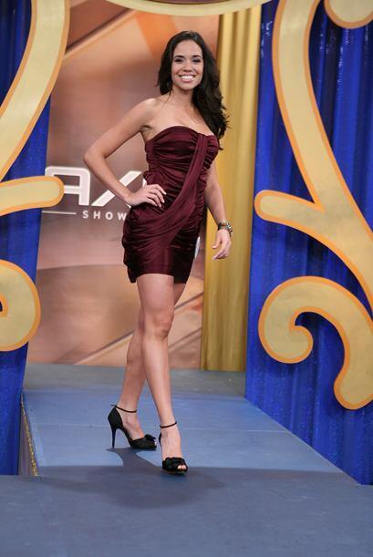 La bella Thebis Alvarez impresionó y quedó en segundo lugar.