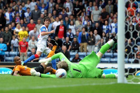 El gol del Blackburn lo convirtió el argentino Mauro Fórmica con una bon...