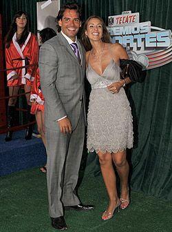 Cristian de la Fuente y Angelica Castro, dos celebridades que desfilaron...