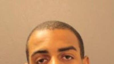 Demetris McCrea de 22 años se presume es uno de los ladrones que robó do...