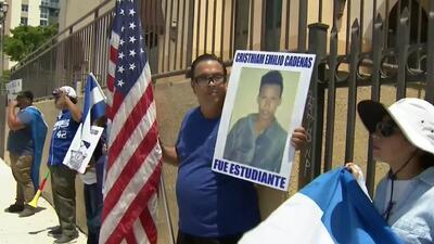 """""""Él se tiene que ir"""": nicaragüenses en Miami exigen la renuncia de Ortega y piden que paren las masacres en ese país"""