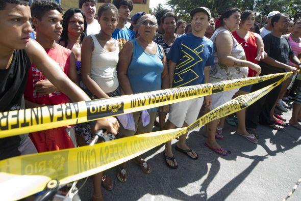 Los testigos del asesinato detallaron que Menezes entraba a las aulas bu...