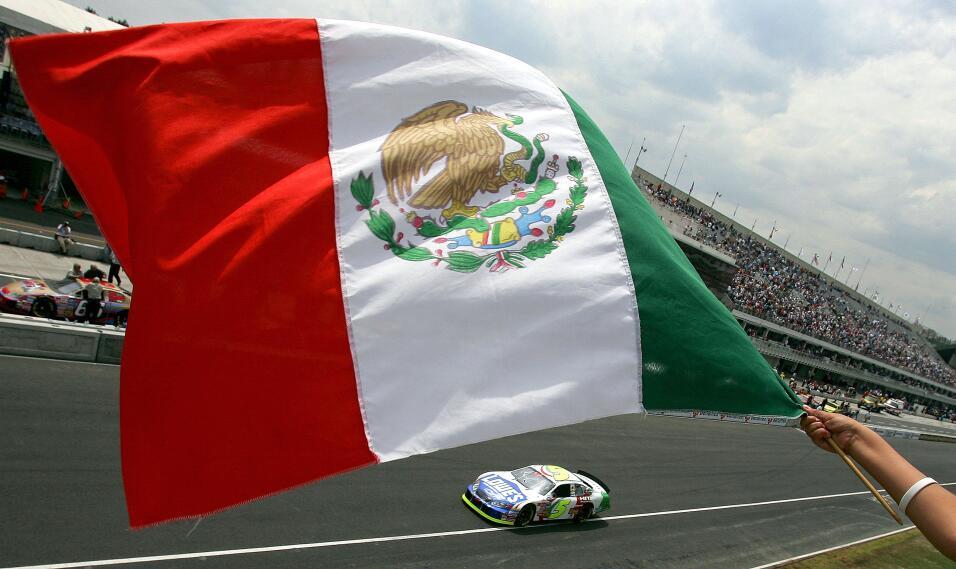 Tesla busca talento en México GettyImages-72284272.jpg