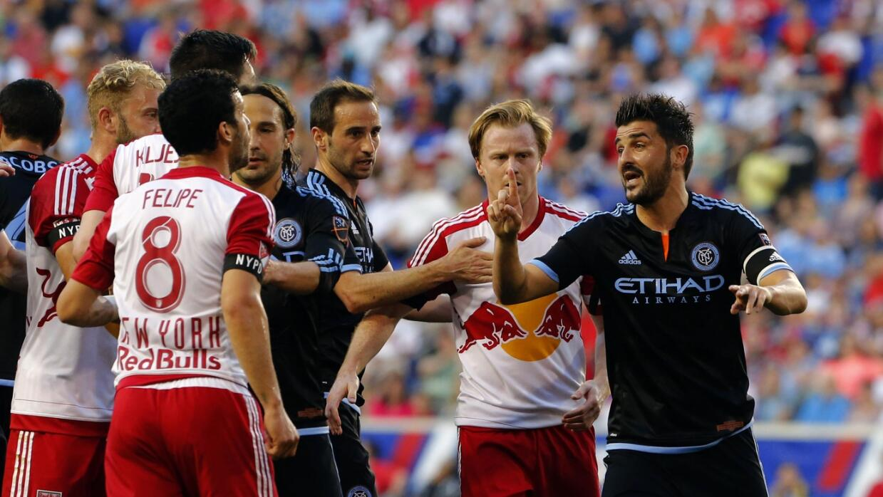 El Guaje discute en el primer derby ante los Red Bulls
