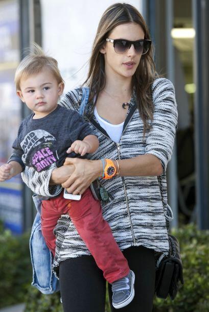 Y bueno, si la hija de Alessandra es una pequeña con mucho estilo, obvia...