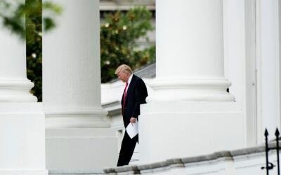 Trump en el exterior de la Casa Blanca
