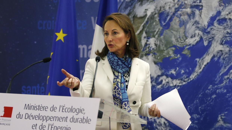La ministro de ecología Segolene Royal declara sobre el caso Renault 1/14