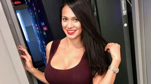 Carla Medrano - Sonrisas