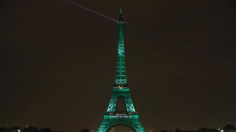 """La """"dama de hierro"""" o Torre Eiffel se vistió de verde cuando fue..."""