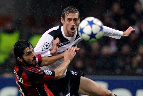 El 'Robot' fue un roble ante el Milan y aguantó los golpes de Gennaro Ga...