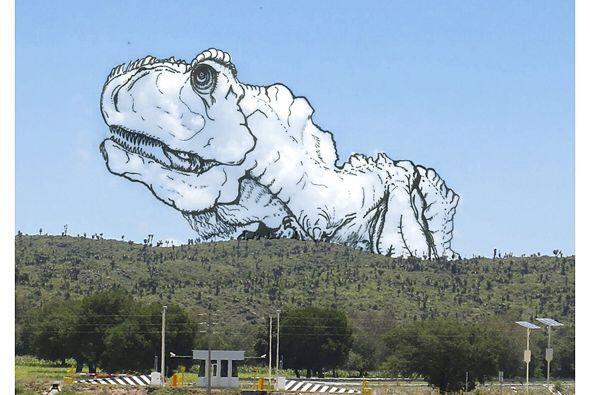 Desde un T- rex que sale de las montañas.