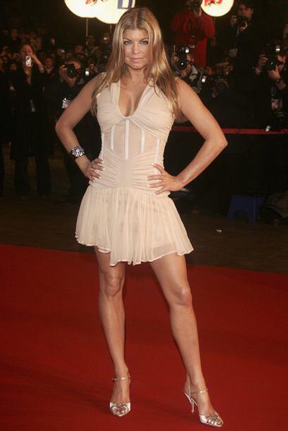 ¿Vestidos largos? ¿Para qué? Si esta mujer posee unas bellas piernas dig...