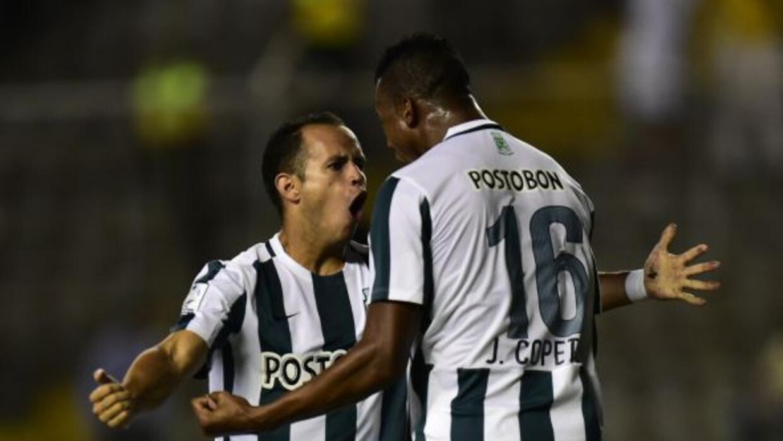 El Atlético Nacional es nuevo líder del fútbol colombiano al quedarse co...
