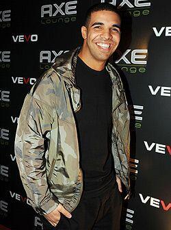 El actor, cantante y rapero Drake, originario de Canadá, recibió aplauso...