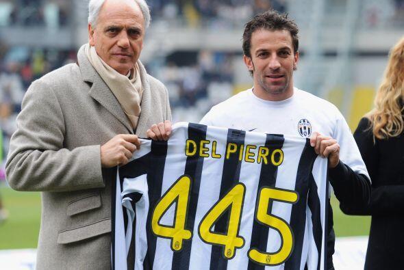 En frebreo de 2010 llegó a 445 juegos con Juventus, inaudito.