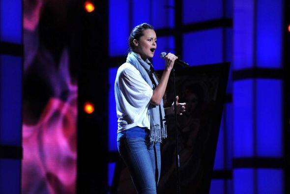 Shaila Dúrcal interpretó un tema ranchero.