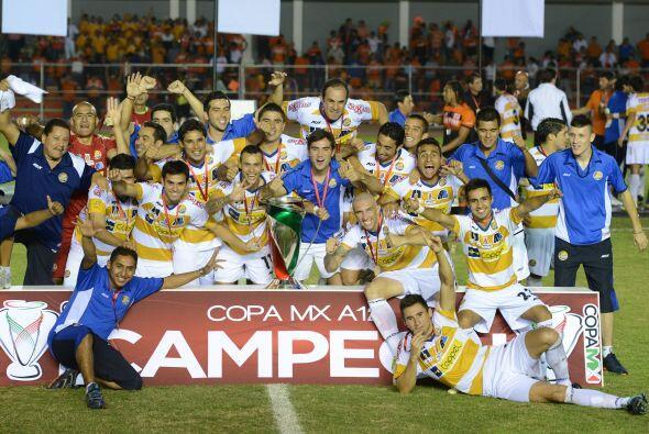 Recordemos a los campeones de este certamen. En el Apertura 2012, el tor...