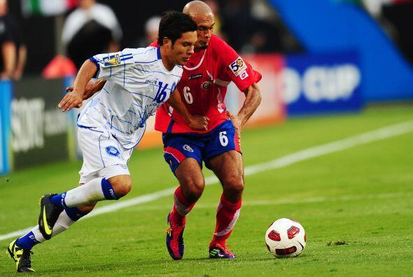 Pero no todo fue malo para el fútbol de El Salvador, la azul tuvo una bu...